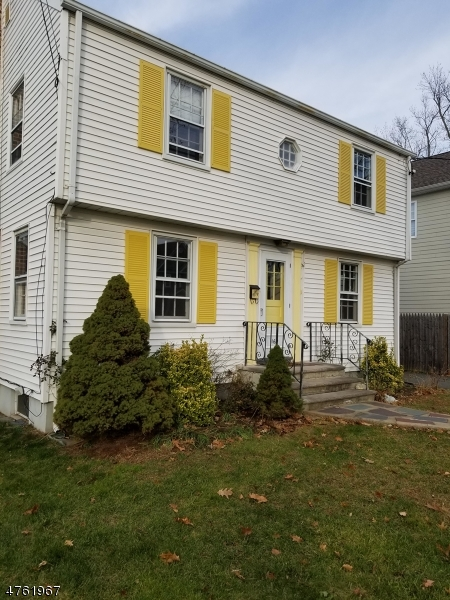 Частный односемейный дом для того Аренда на 169 E Chestnut Avenue Metuchen, Нью-Джерси 08840 Соединенные Штаты