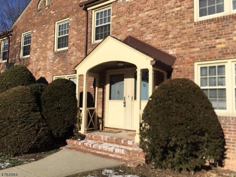Nhà ở một gia đình vì Thuê tại 380 Main St, UNIT 21 Chatham, New Jersey 07928 Hoa Kỳ