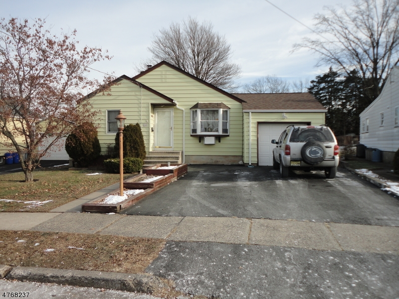 Single Family Home for Sale at 246 South Blvd Saddle Brook, New Jersey 07663 United States