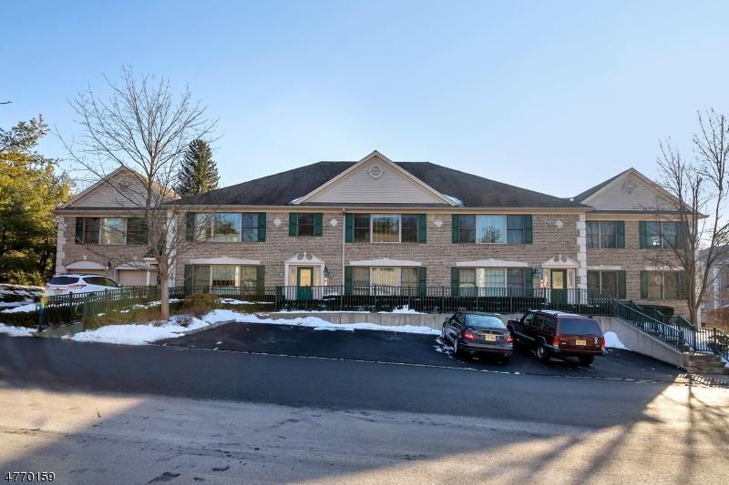 Casa Unifamiliar por un Venta en 423 Laurel Brook Road Montvale, Nueva Jersey 07645 Estados Unidos