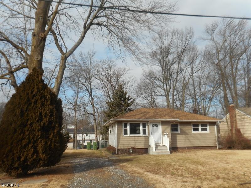 Casa Unifamiliar por un Alquiler en Address Not Available Edison, Nueva Jersey 08820 Estados Unidos