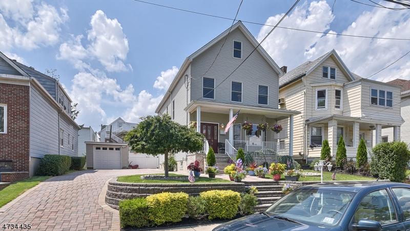 独户住宅 为 销售 在 35 Humphrey Avenue Bayonne, 新泽西州 07002 美国