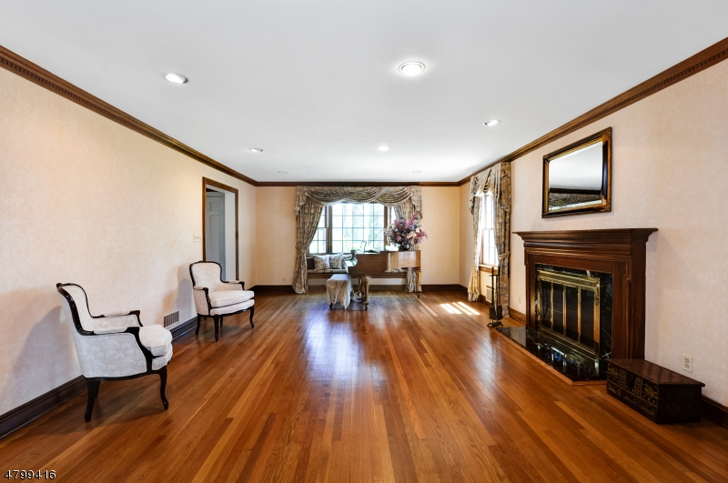 Additional photo for property listing at 178 Devon Road  Essex Fells, 新泽西州 07021 美国