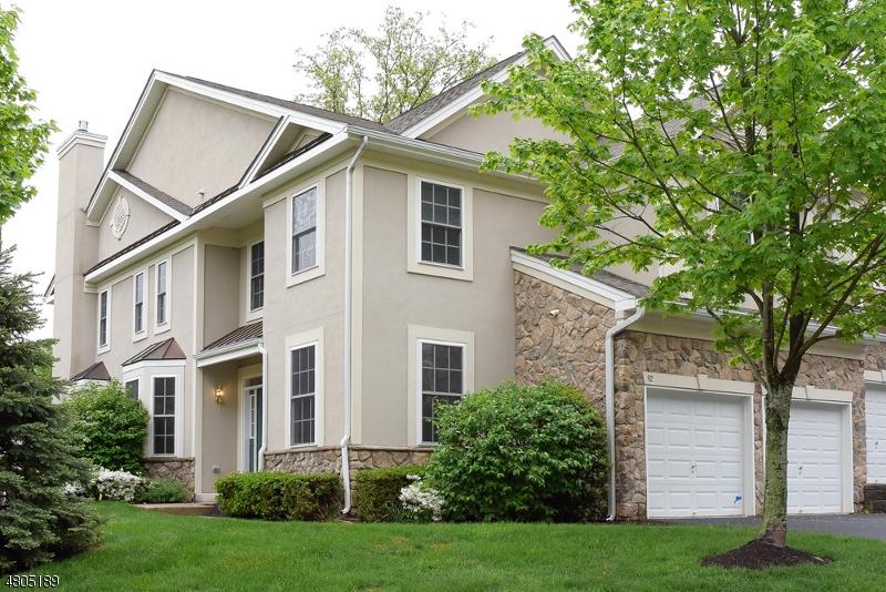 Condo / Casa geminada para Arrendamento às 92 HENNING TER Denville, Nova Jersey 07834 Estados Unidos