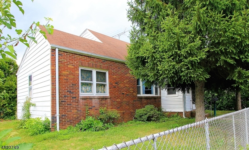 Casa Multifamiliar por un Venta en 224 S 8TH Avenue Manville, Nueva Jersey 08835 Estados Unidos
