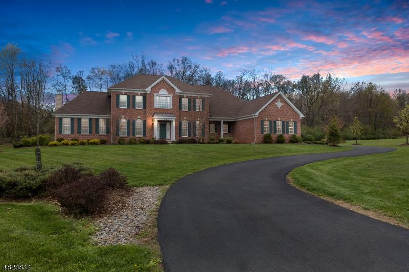 Частный односемейный дом для того Продажа на 18 HIGH RIDGE Lane Frankford Township, Нью-Джерси 07822 Соединенные Штаты