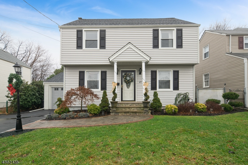 Single Family Home for Sale at 21 HIGHFIELD LN 21 HIGHFIELD LN Nutley, New Jersey 07110 United States