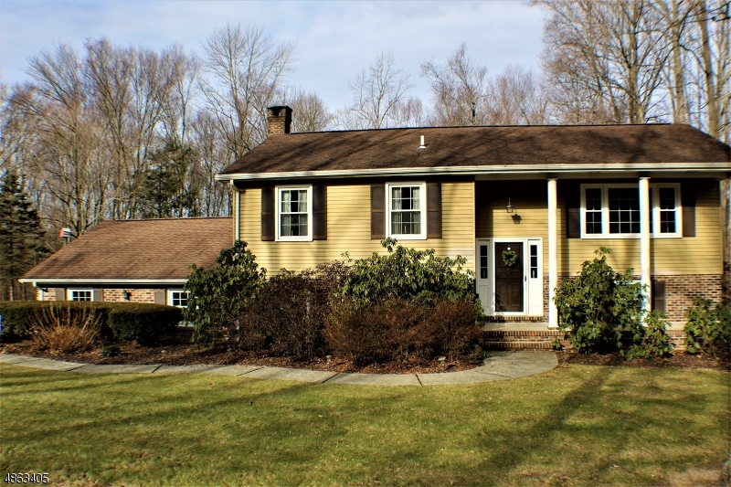 Single Family Home for Sale at 104 VAIL RD 104 VAIL RD Knowlton, New Jersey 07832 United States