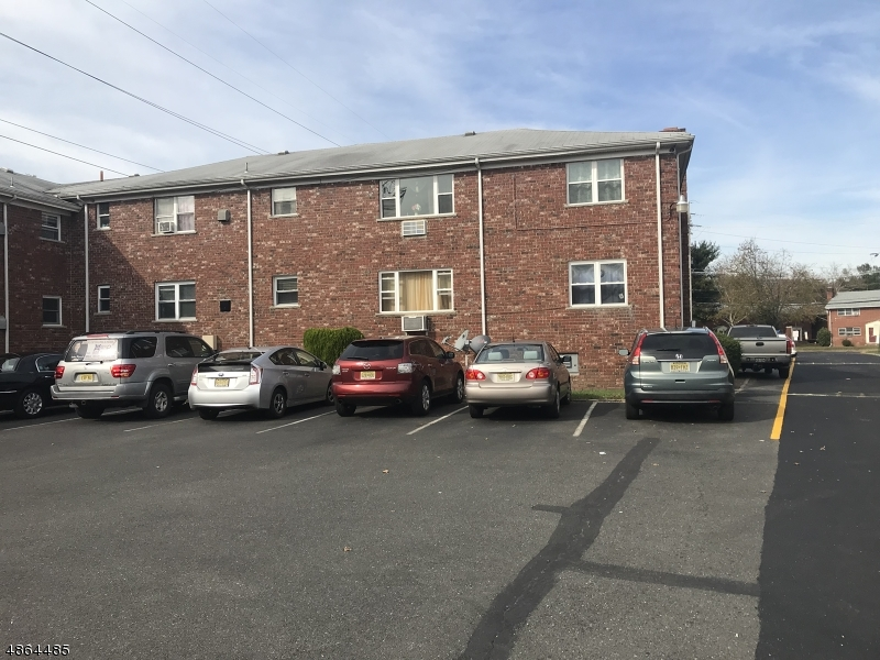 Condo / Townhouse for Sale at 15 GRAMERCY GDNS Middlesex, New Jersey 08846 United States