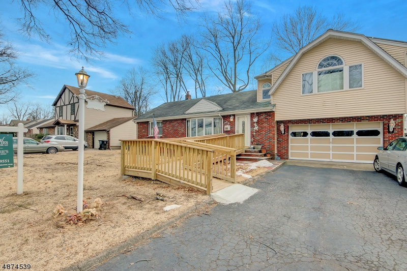 Single Family Home for Sale at 96 WILLOWBROOK CT 96 WILLOWBROOK CT Paramus, New Jersey 07652 United States