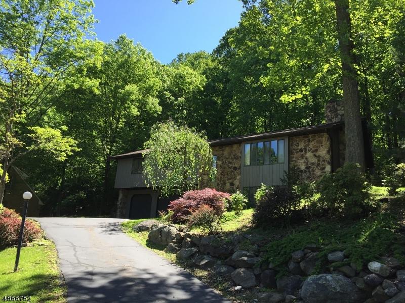 Casa para uma família para Venda às Allamuchy, Nova Jersey 07840 Estados Unidos