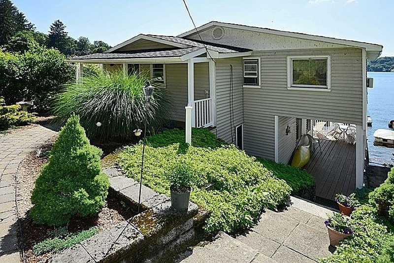 Additional photo for property listing at 305 Lakeside Blvd  Hopatcong, New Jersey 07843 United States
