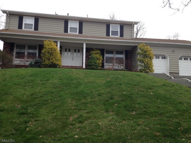 独户住宅 为 销售 在 46 Boonstra Drive 韦恩, 新泽西州 07470 美国