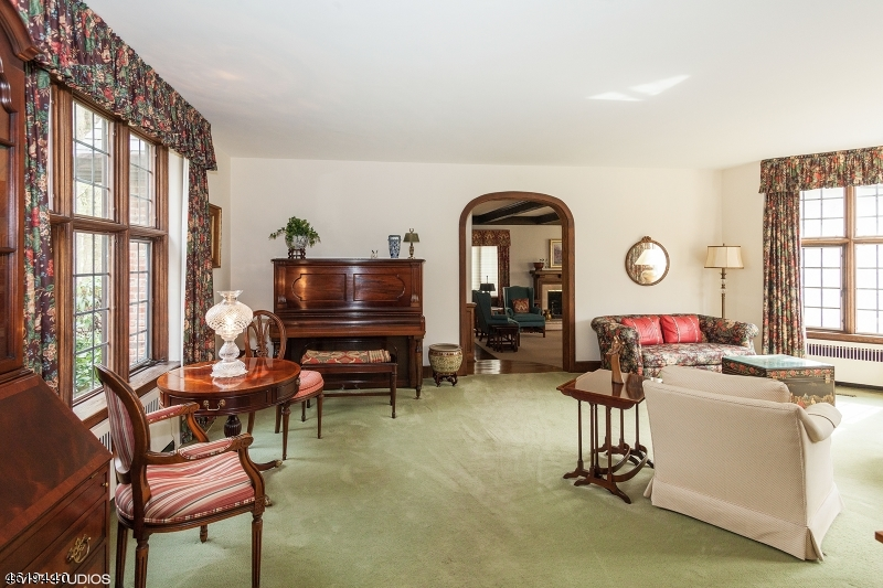 Additional photo for property listing at 21 Old Chester Road  Essex Fells, New Jersey 07021 États-Unis