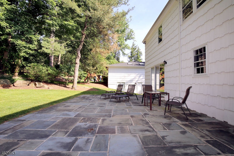 Additional photo for property listing at 136 LAWRENCE DRIVE  Short Hills, Nueva Jersey 07078 Estados Unidos