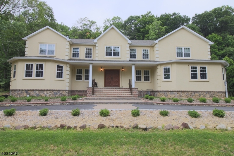 Additional photo for property listing at 15 Tanglewood Hollow Road  Saddle River, Нью-Джерси 07458 Соединенные Штаты
