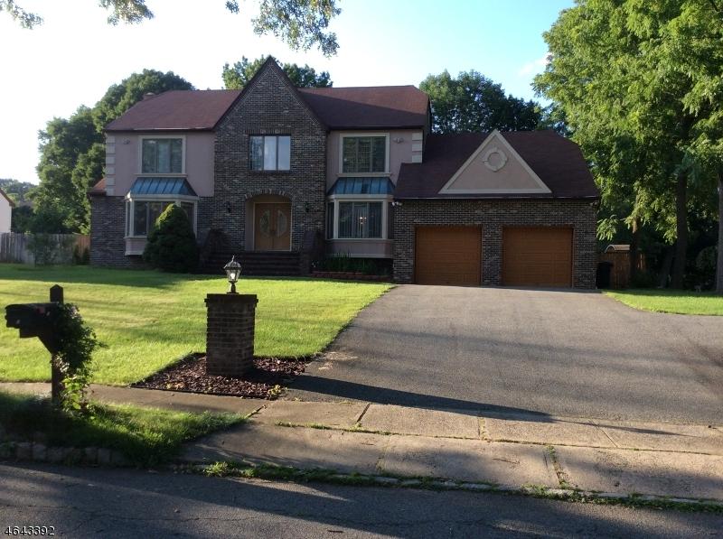独户住宅 为 销售 在 5 Fowler Place Montville, 07045 美国