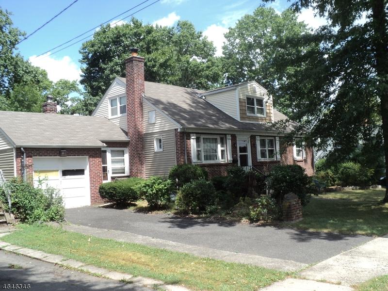 独户住宅 为 销售 在 78 Hay Avenue 纳特利, 新泽西州 07110 美国