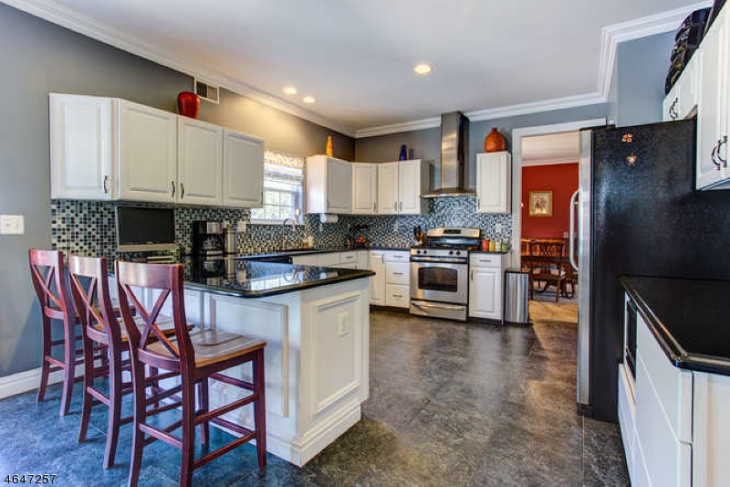 Additional photo for property listing at 12 Bering Way  Somerset, Nueva Jersey 08873 Estados Unidos