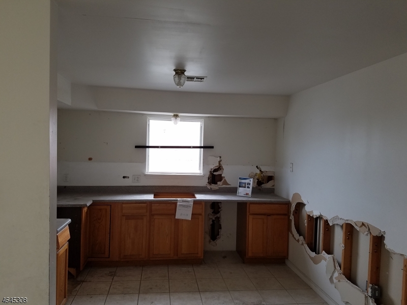 Additional photo for property listing at 437 S 10th Street  Newark, Nueva Jersey 07103 Estados Unidos
