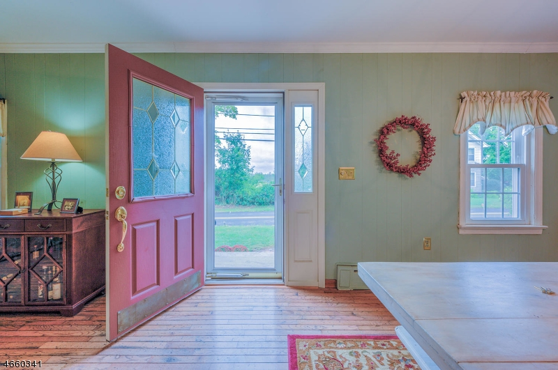 Additional photo for property listing at 123 Fairview Drive  Neshanic Station, Нью-Джерси 08853 Соединенные Штаты