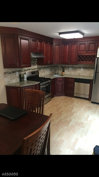Additional photo for property listing at 127 127 Selby Court  Somerset, New Jersey 08873 United States