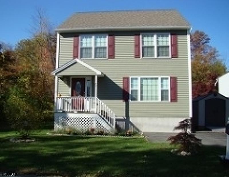 独户住宅 为 出租 在 27 Lakewood Road Hewitt, 新泽西州 07421 美国