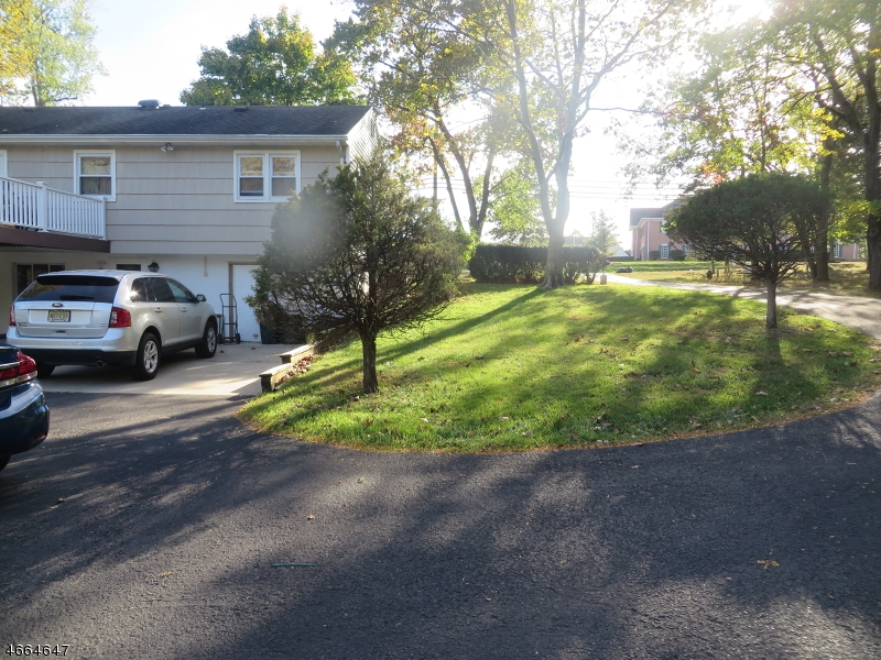 Additional photo for property listing at 469 State Route 28  布里奇沃特, 新泽西州 08807 美国