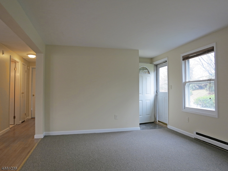Additional photo for property listing at 4 Pleasant Road  High Bridge, New Jersey 08829 États-Unis