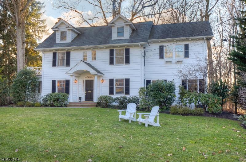 Частный односемейный дом для того Продажа на 74 Bellevue Avenue Summit, 07901 Соединенные Штаты