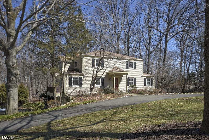 Частный односемейный дом для того Продажа на 15 DEER Trail Ramsey, Нью-Джерси 07446 Соединенные Штаты