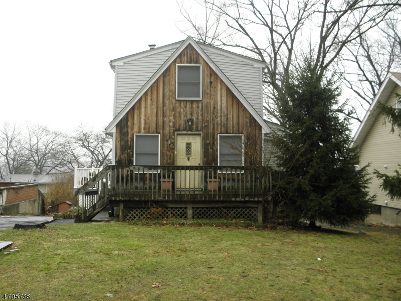 Single Family Home for Sale at 110 Mountain Avenue Haledon, New Jersey 07508 United States