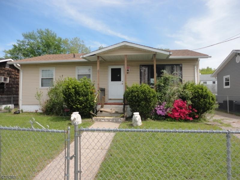 独户住宅 为 销售 在 8 High Street Carteret, 新泽西州 07008 美国