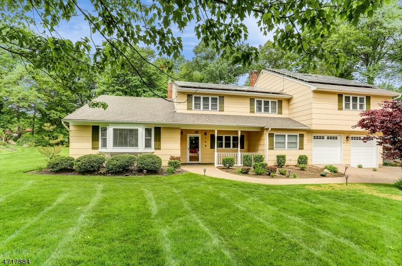 Single Family Home for Sale at 149 Reynolds Avenue Whippany, New Jersey 07981 United States
