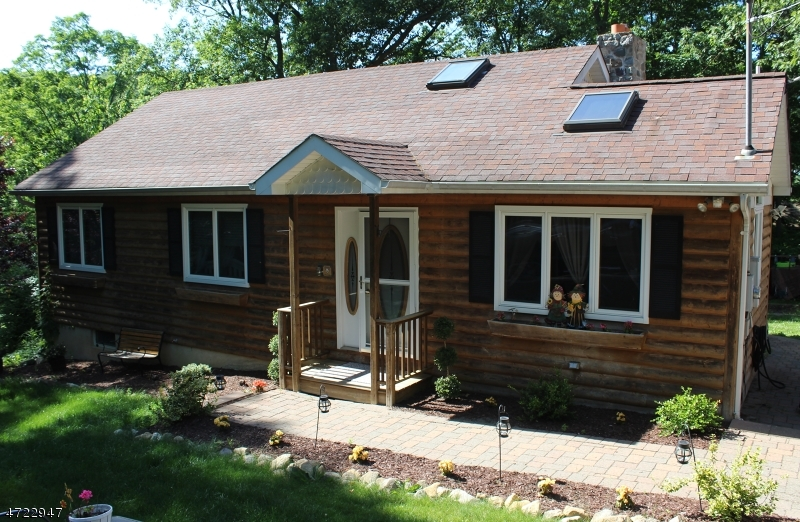 Single Family Home for Sale at 50 Grandview Avenue 50 Grandview Avenue Hardyston, New Jersey 07460 United States
