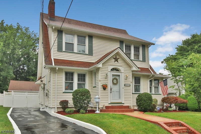 Single Family Home for Sale at 61 W Gouverneur Avenue Rutherford, New Jersey 07070 United States