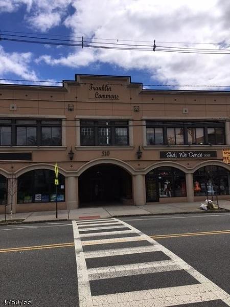 Частный односемейный дом для того Аренда на 510 Franklin Avenue Nutley, Нью-Джерси 07110 Соединенные Штаты