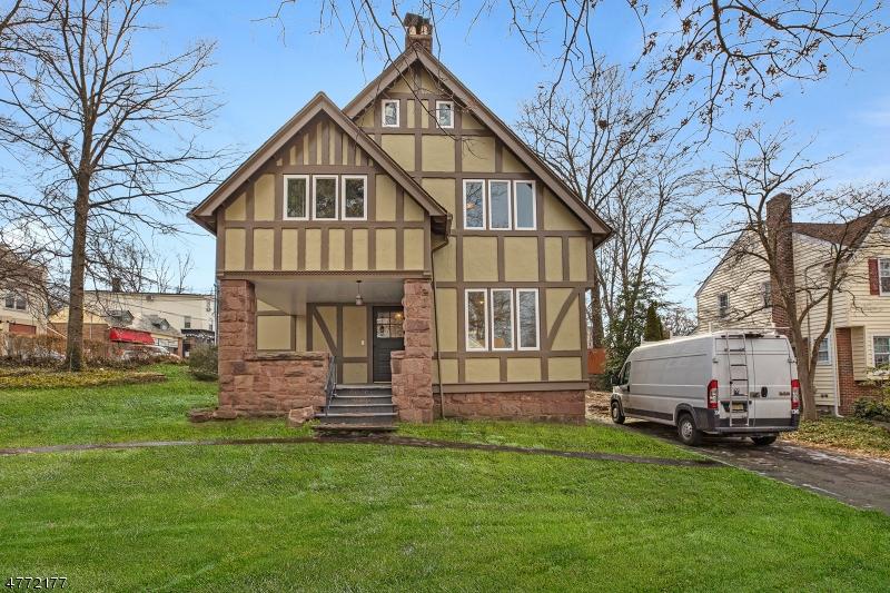 独户住宅 为 销售 在 5 Enclosure 纳特利, 新泽西州 07110 美国