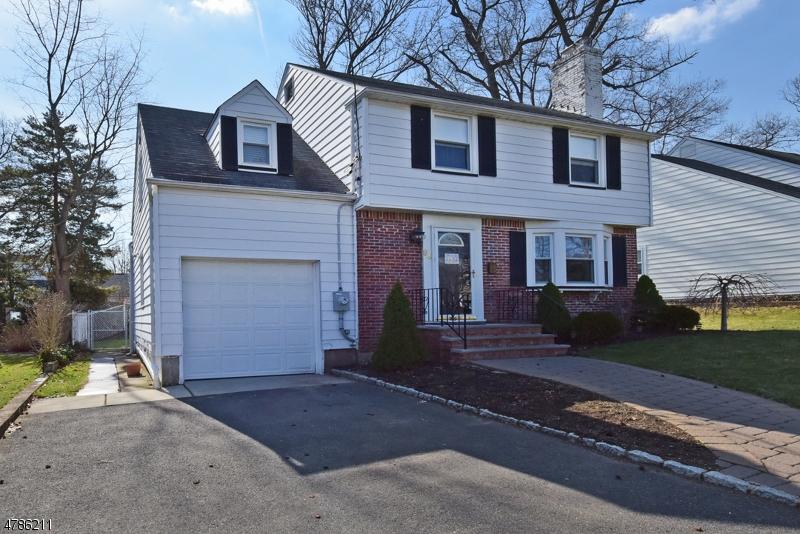独户住宅 为 销售 在 94 Cedar Avenue 梅坞市, 新泽西州 07607 美国