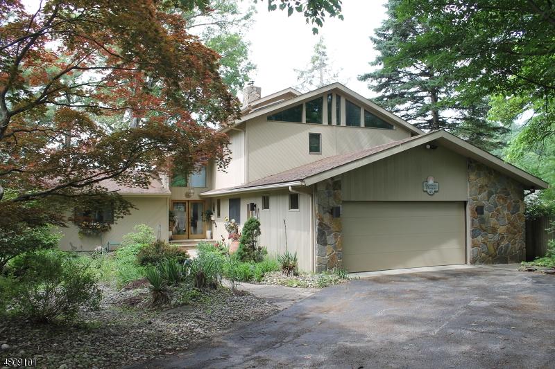 Частный односемейный дом для того Продажа на 45 ISLAND Trail Sparta, Нью-Джерси 07871 Соединенные Штаты