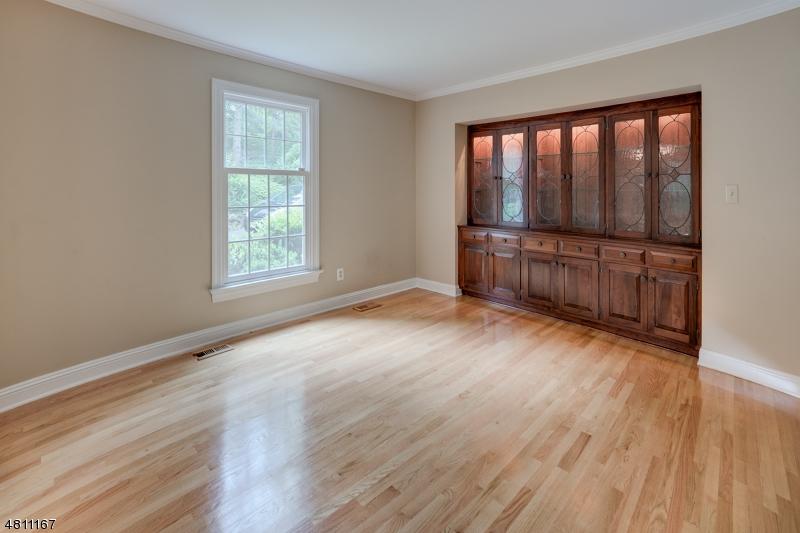 Additional photo for property listing at 135 SUNSET DR Unit A  Chatham, Нью-Джерси 07928 Соединенные Штаты