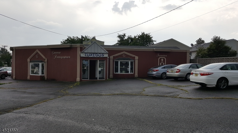 商用 为 销售 在 Address Not Available Lodi, 新泽西州 07644 美国