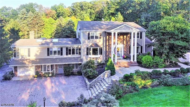 Single Family Home for Sale at Watchung, New Jersey 07069 United States