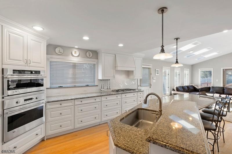 Частный односемейный дом для того Продажа на 13 WENDELL Place Clark, Нью-Джерси 07066 Соединенные Штаты