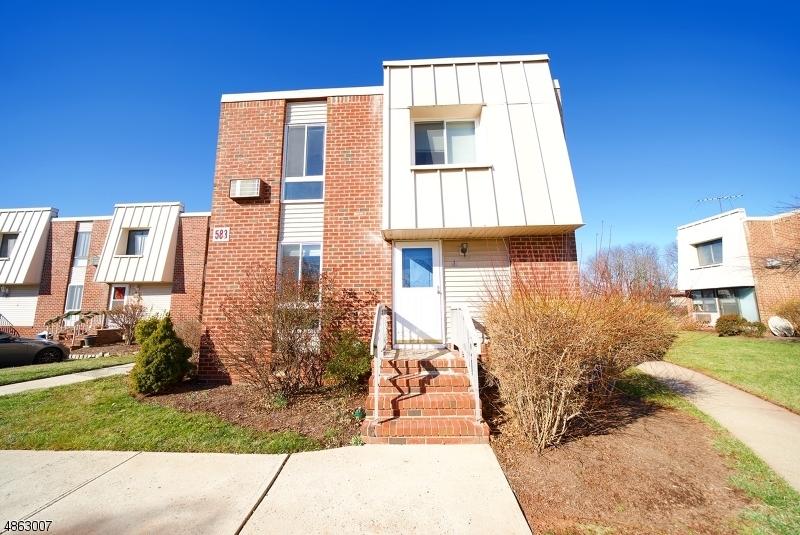 Condo / Townhouse pour l à louer à 583 AUTEN Road Hillsborough, New Jersey 08844 États-Unis