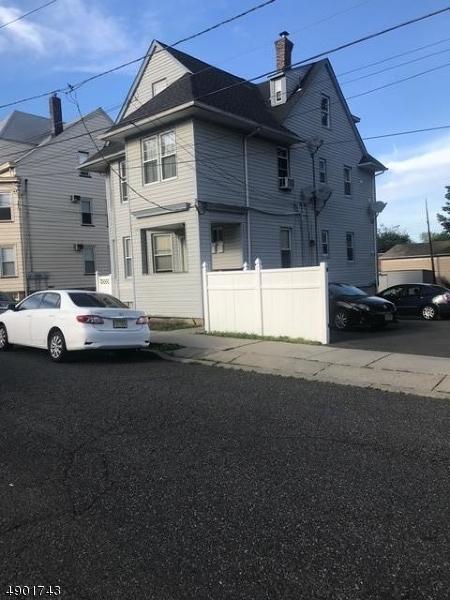 multi-family homes pour l Vente à Haledon, New Jersey 07508 États-Unis