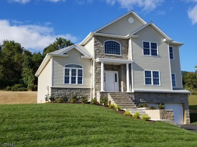 Single Family Homes for Sale at Lopatcong, New Jersey 08865 United States