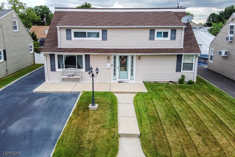 Single Family Homes için Satış at Carteret, New Jersey 07008 Amerika Birleşik Devletleri