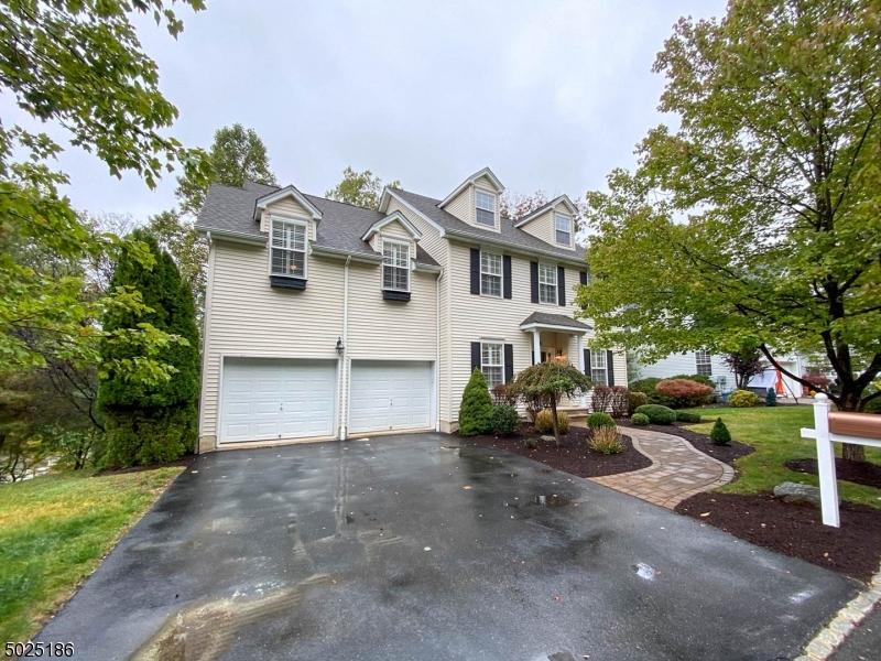 Single Family Homes für Verkauf beim Allamuchy, New Jersey 07840 Vereinigte Staaten