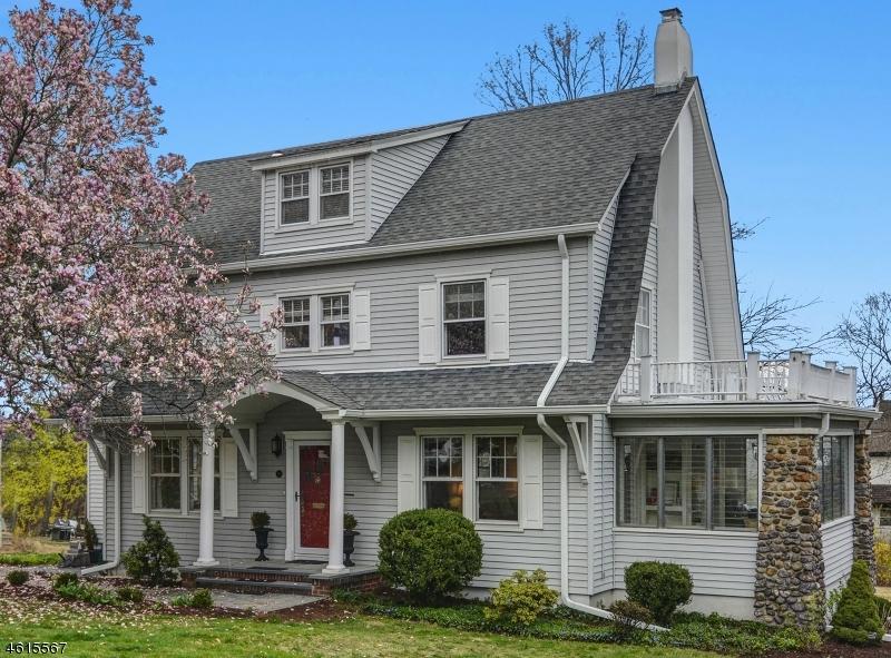 Частный односемейный дом для того Продажа на 19 Pine Avenue Madison, 07940 Соединенные Штаты